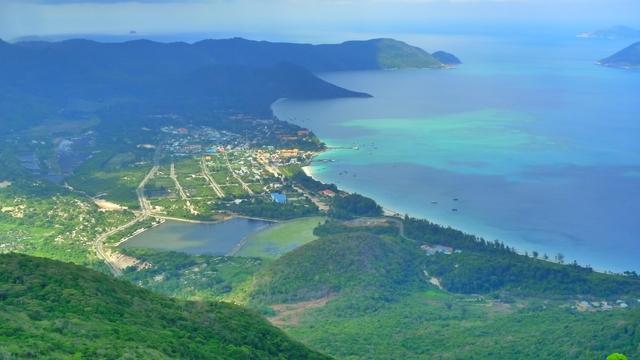 Vé máy bay đi Côn Đảo - Hơn 7 chuyến bay mỗi ngày