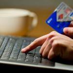 """Bạn có sợ bị """"mất tiền oan"""" khi đi đặt vé máy bay Online?"""