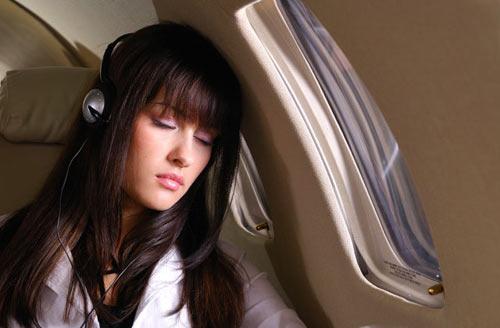 Lưu ý: Những điều không nên làm khi đi máy bay