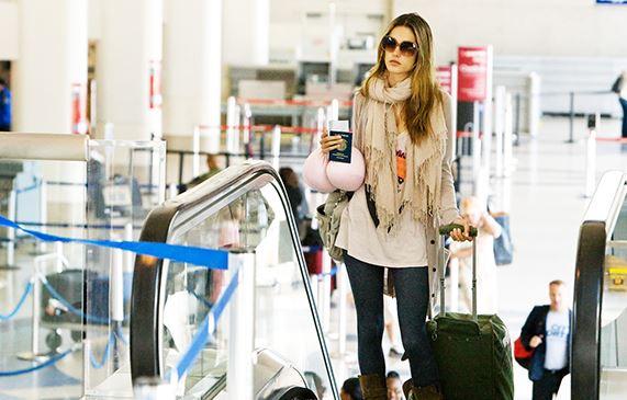 Đi máy bay nên mặc gì? Trang phục không nên mặc khi đi máy bay?