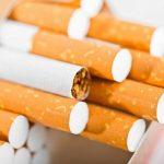 Đi máy bay có được mang theo thuốc lá không?