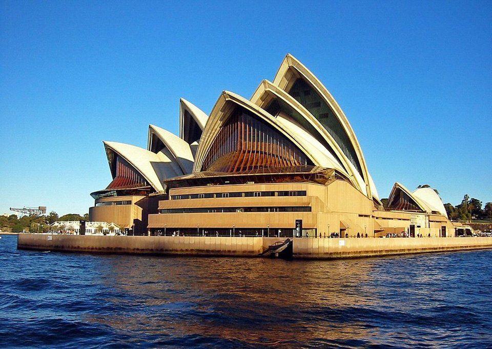 [Hỏi] Giá vé máy bay đi Úc khứ hồi bao nhiêu tiền