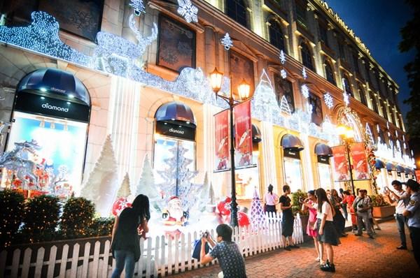 Top 7 địa điểm không thể bỏ qua trong dịp Noel ở Sài Gòn